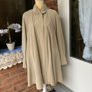 Gallery Womens Long Overcoat Button Up Size M.